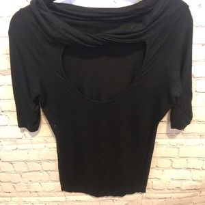 Black size large 3/4 length sleeve tee